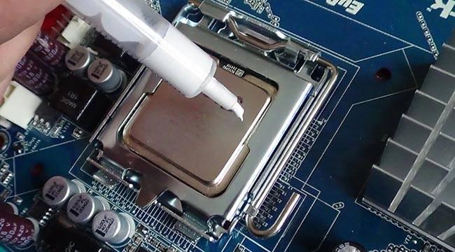 Поменял термопасту все равно греется процессор